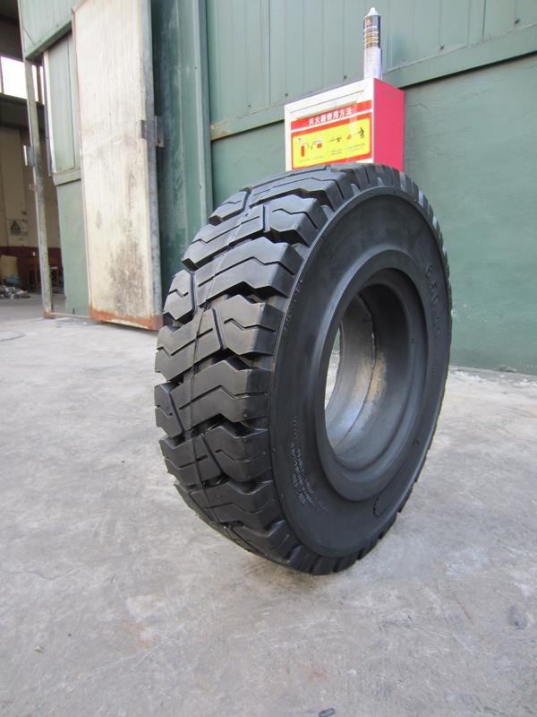 江苏叉车轮胎-6.50-10 c